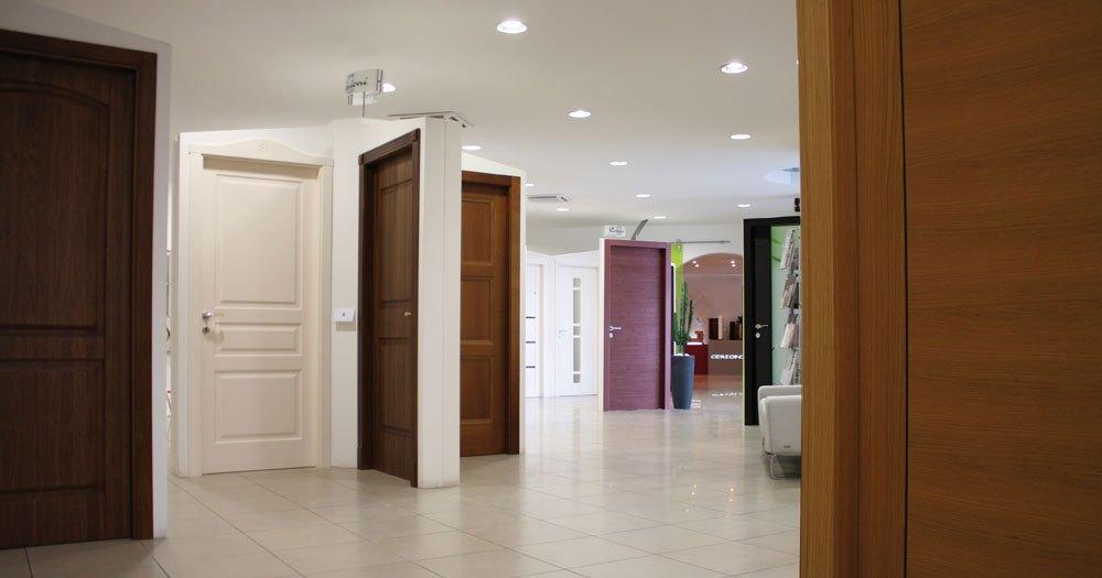 Cerioni infissi showroom di porte e finestre su misura cerioni infissi - Finestre e porte ...
